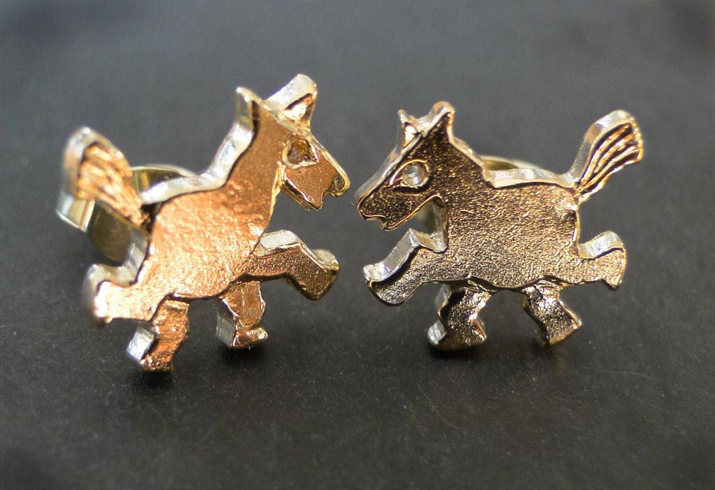 Hesteørestikker 14kt guld